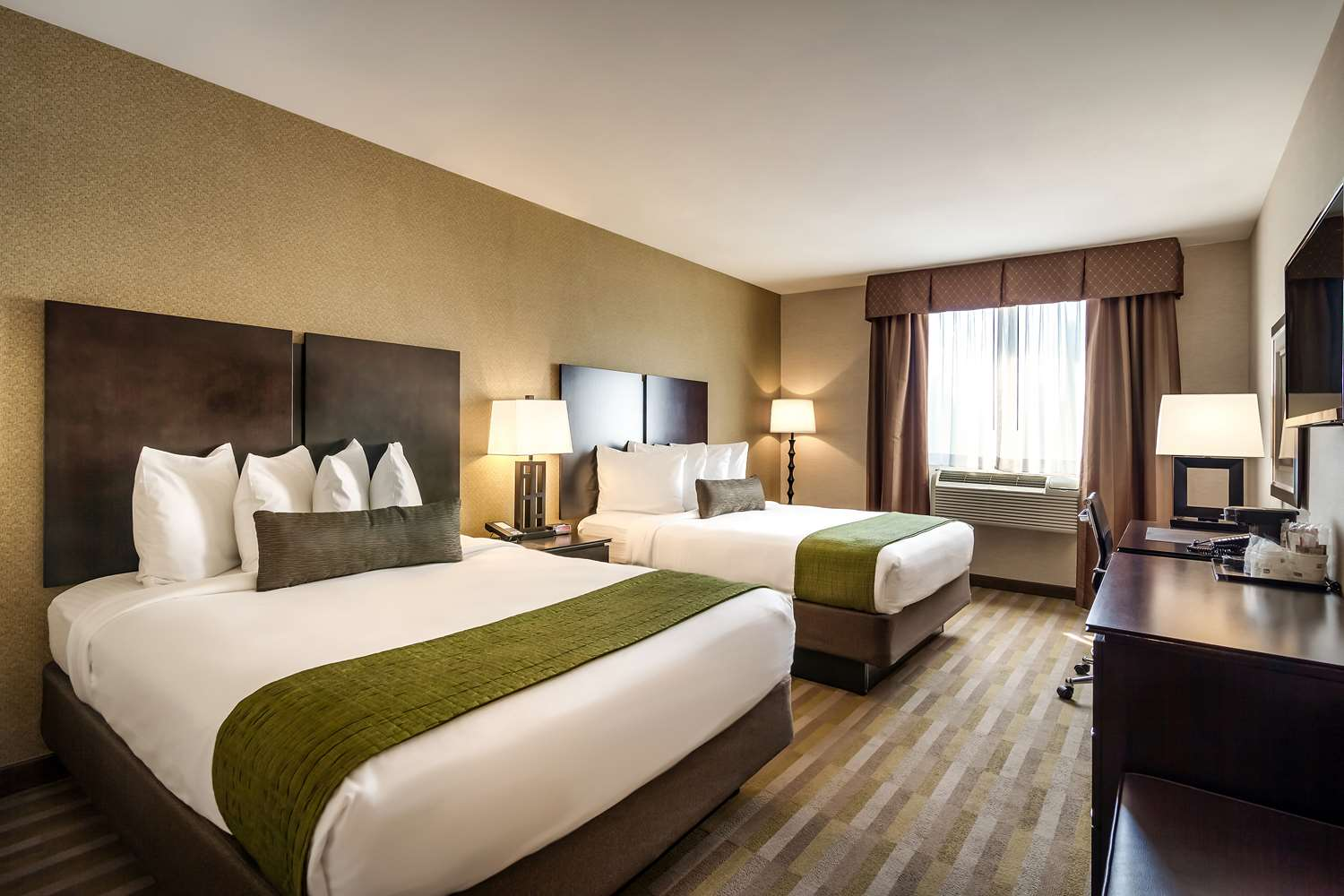 Best Western Plus Plaza Hotel Long Island City Queens Ny