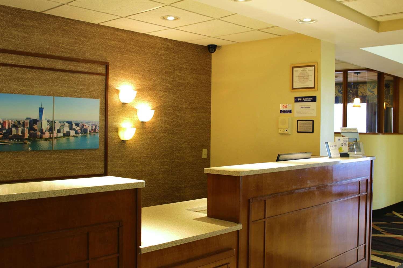 Lobby - Best Western Plus Galleria Inn & Suites Cheektowaga