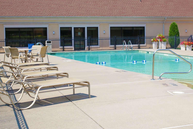 Pool - Best Western Plus Galleria Inn & Suites Cheektowaga