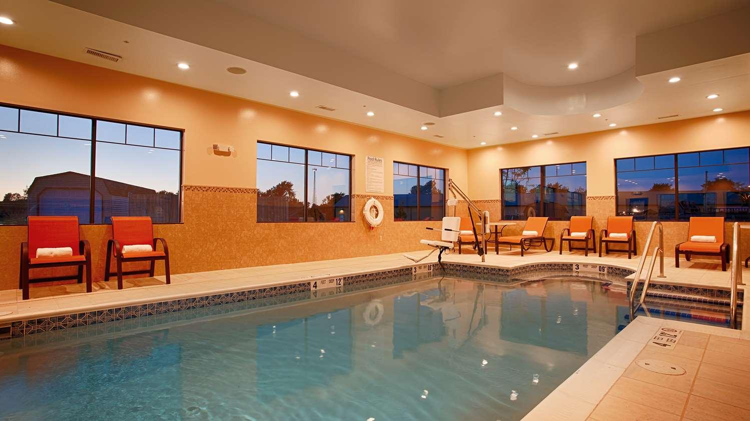 Pool - Best Western Plus Finger Lakes Inn & Suites Cortland