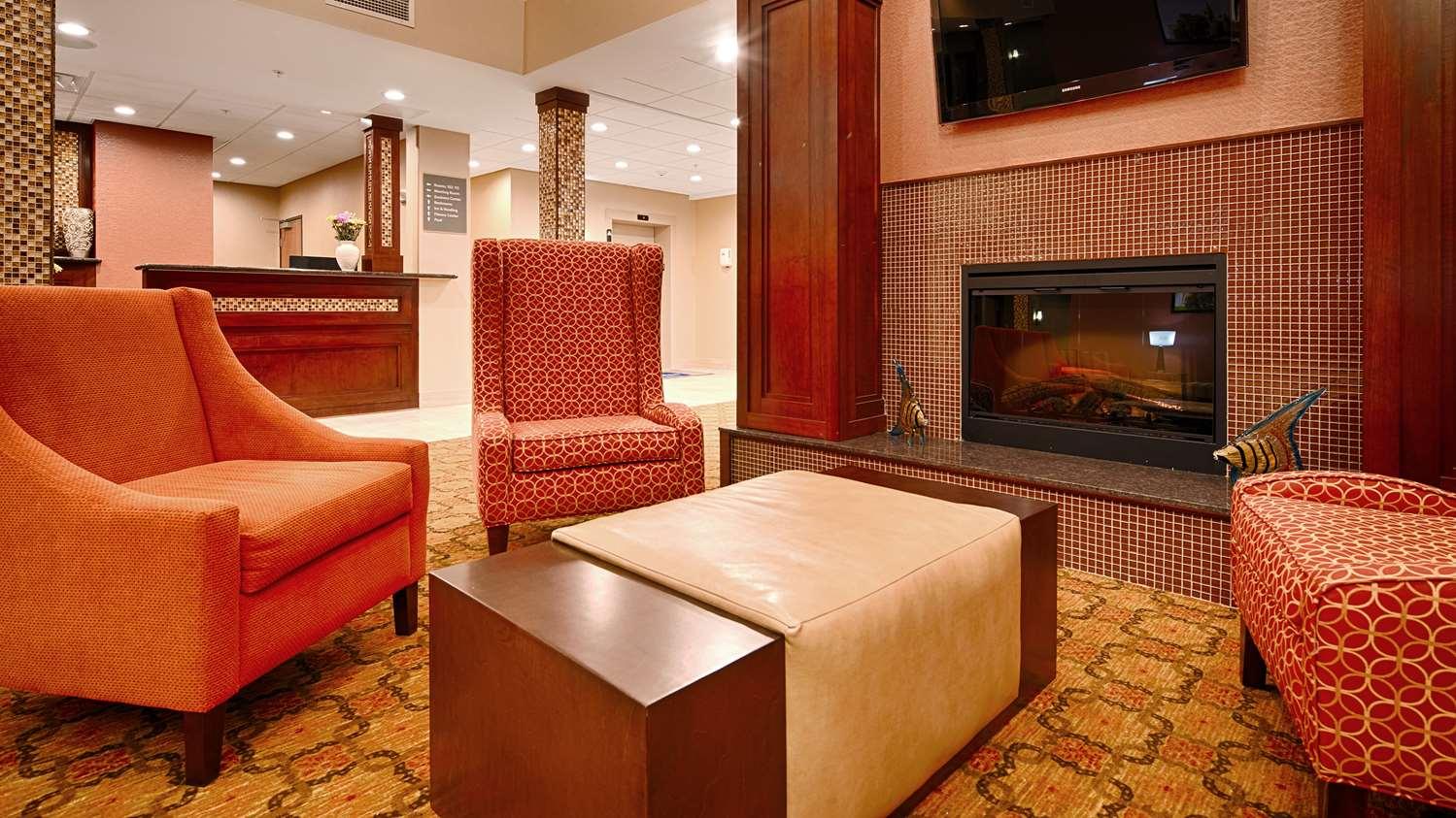 Lobby - Best Western Plus Finger Lakes Inn & Suites Cortland