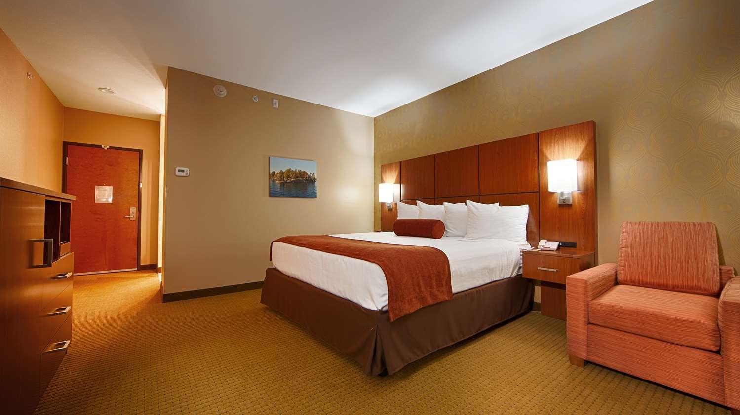 Room - Best Western Plus Finger Lakes Inn & Suites Cortland