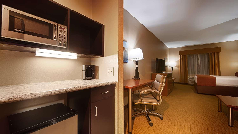 Suite - Best Western Plus Finger Lakes Inn & Suites Cortland