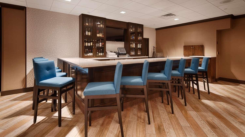 Bar - Best Western Plus Hotel & Conference Center Kingston