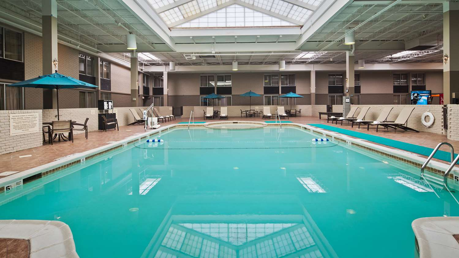Pool - Best Western Plus Hotel & Conference Center Kingston