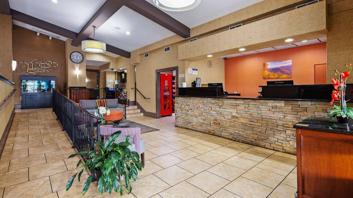 Lobby - Best Western Inn East Asheville