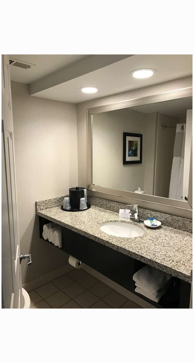 Room - Best Western Plus Cary Inn