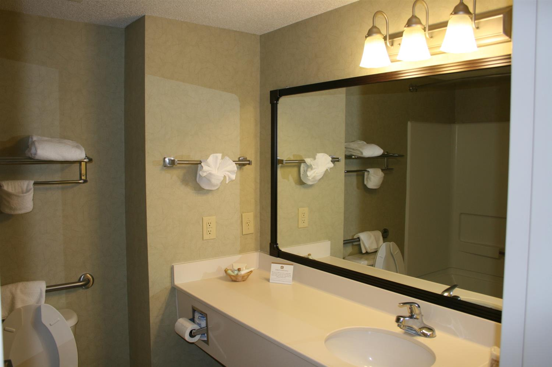 Room - Best Western Plus Silver Creek Inn Swansboro