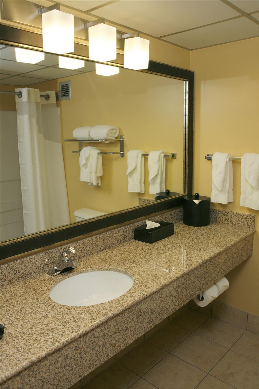 Best Western Hotel Room: Best Western Plus Goldsboro Hotel, NC