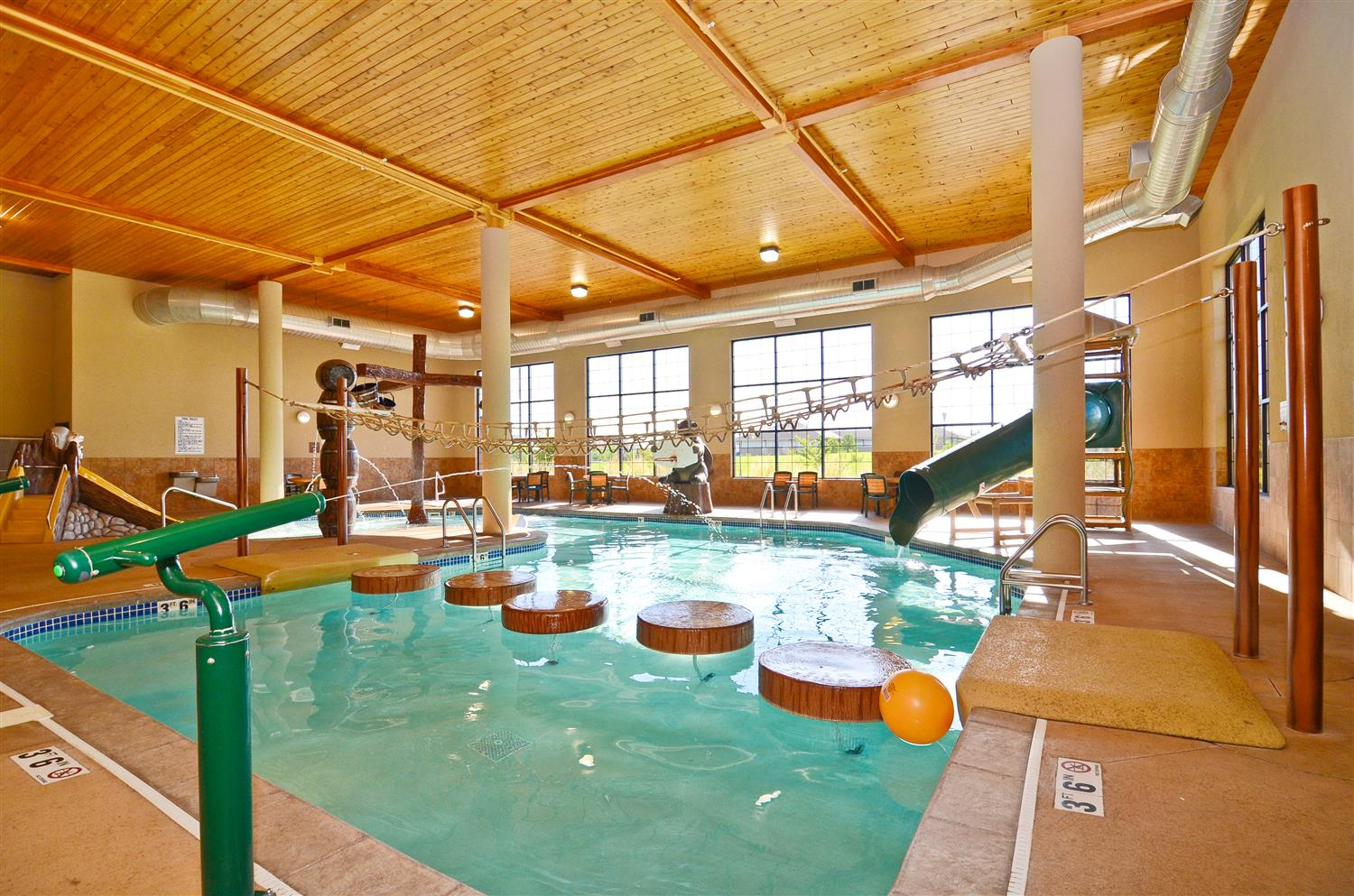 Hotels With Jacuzzi In Room Grand Forks Nd