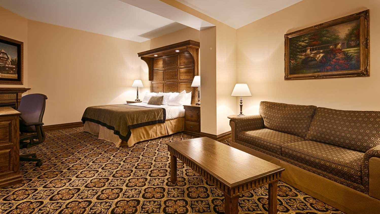 Suite - Best Western Premier Mariemont Inn Cincinnati