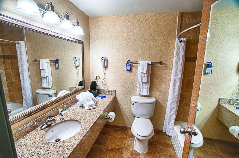 Room - Best Western Plus North Canton Inn & Suites