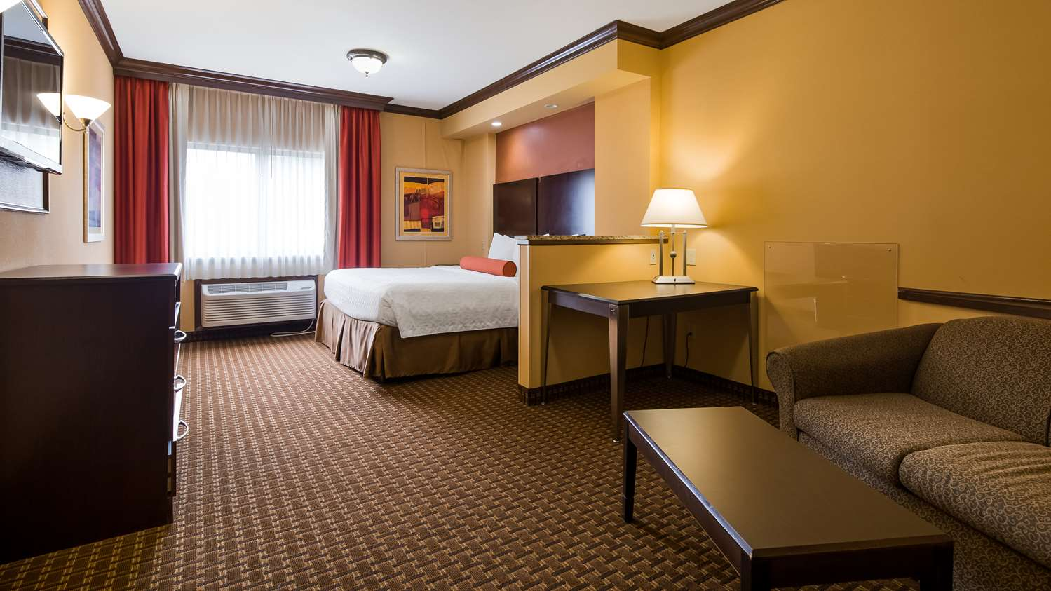 Suite - Best Western Plus North Canton Inn & Suites