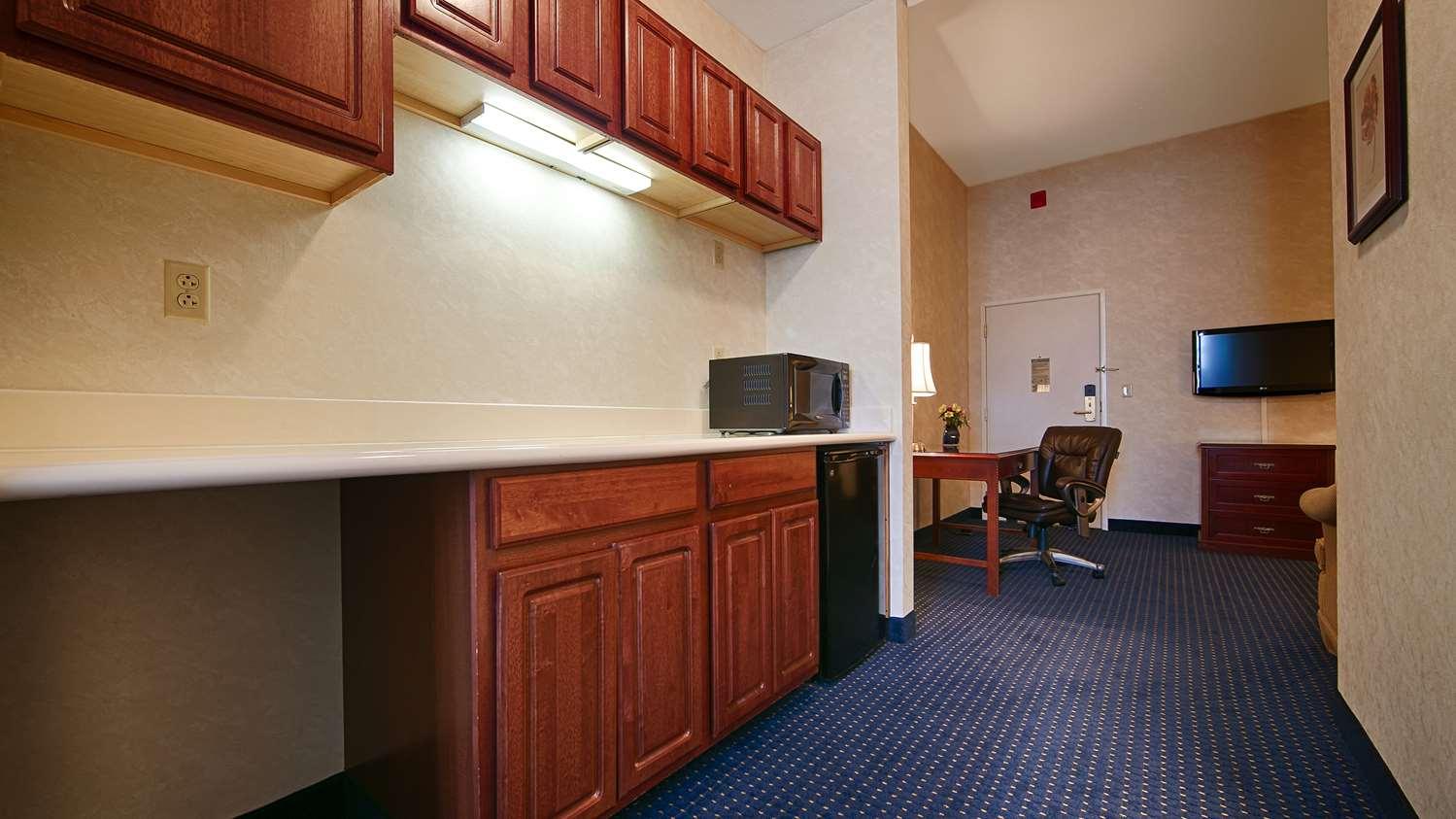 Suite - Best Western Plus Lawnfield Inn & Suites Mentor