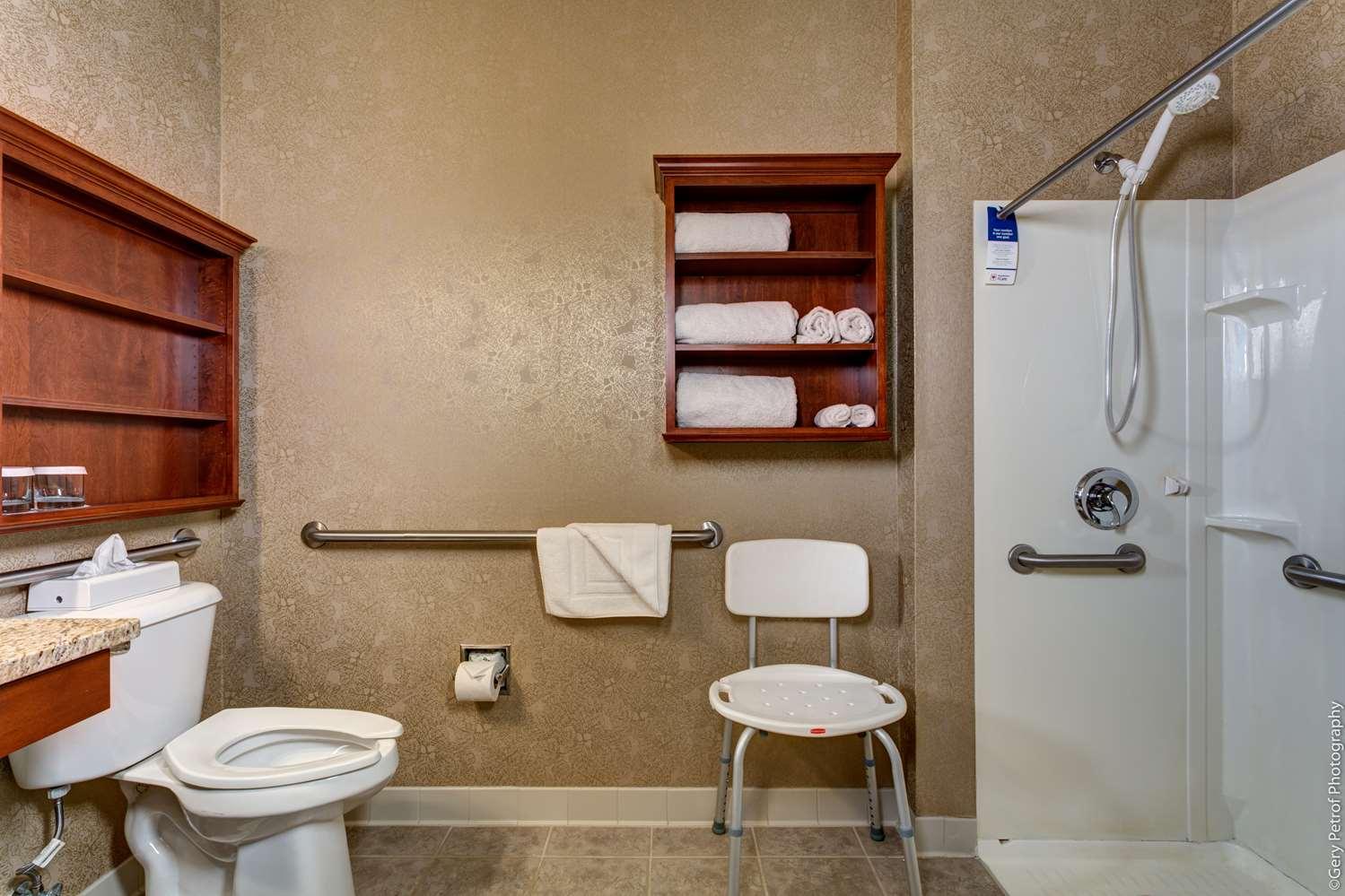 Room - Best Western Plus Lawnfield Inn & Suites Mentor