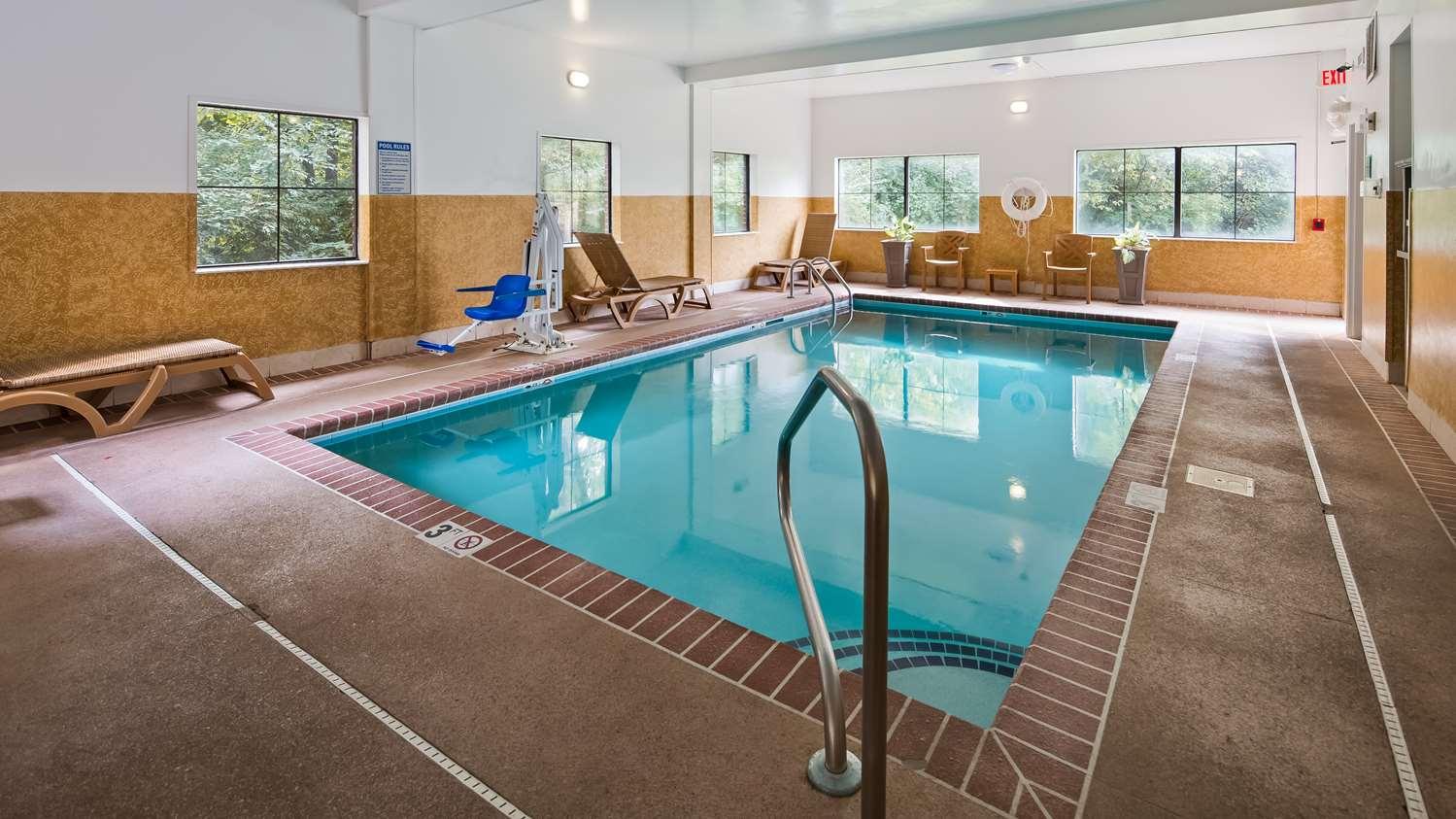 Pool - Best Western Executive Suites Pickerington