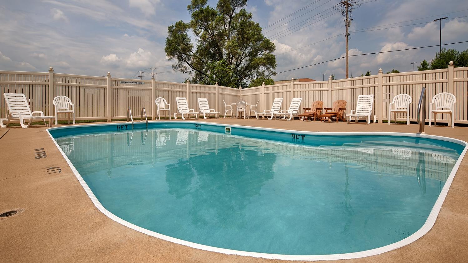 Pool - Best Western Adena Inn Chillicothe