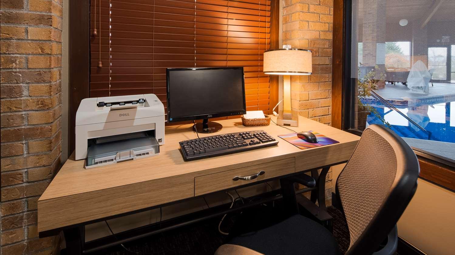 Conference Area - Best Western Lakewood Inn Hebron