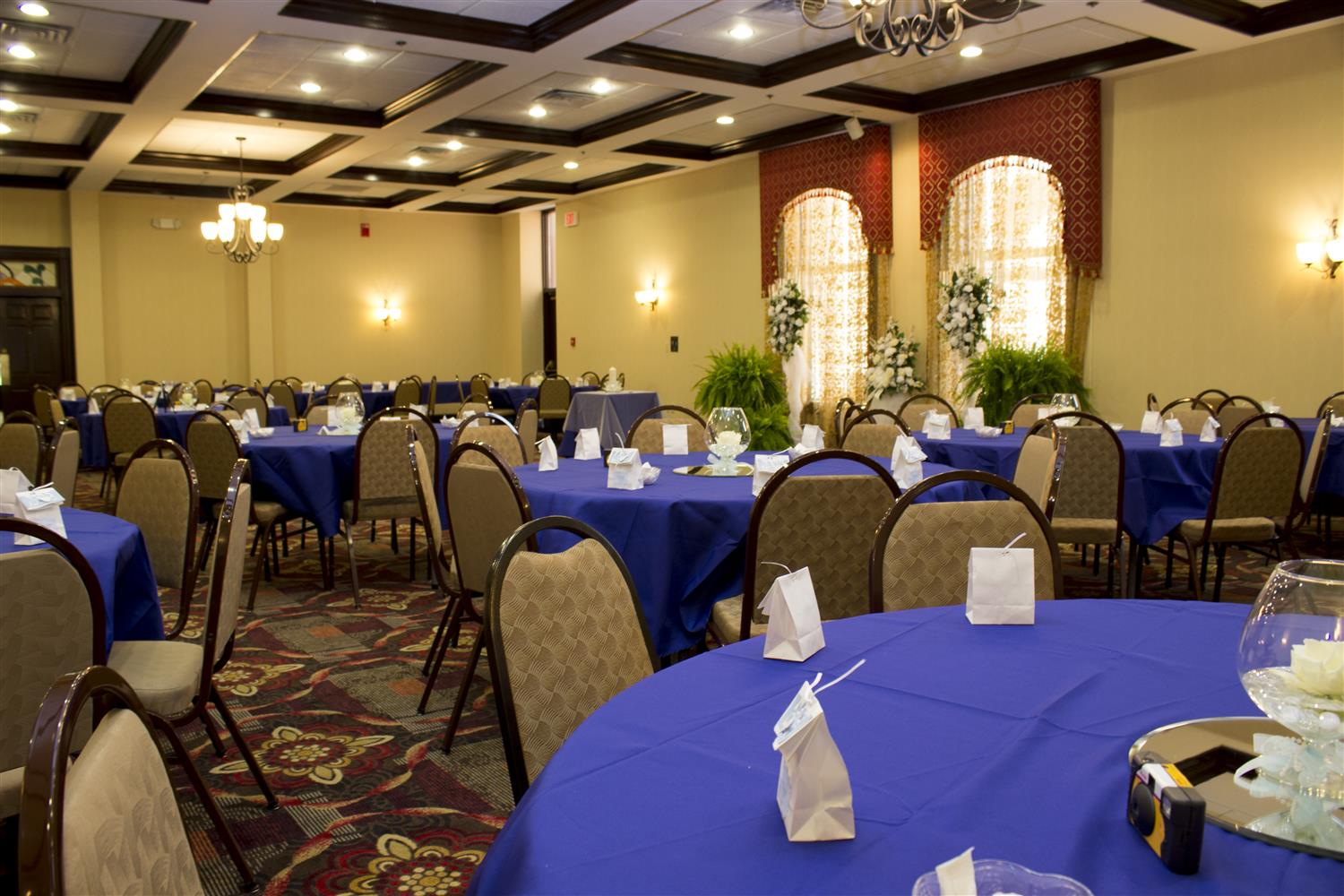 Ballroom - Best Western Park Inn Warren