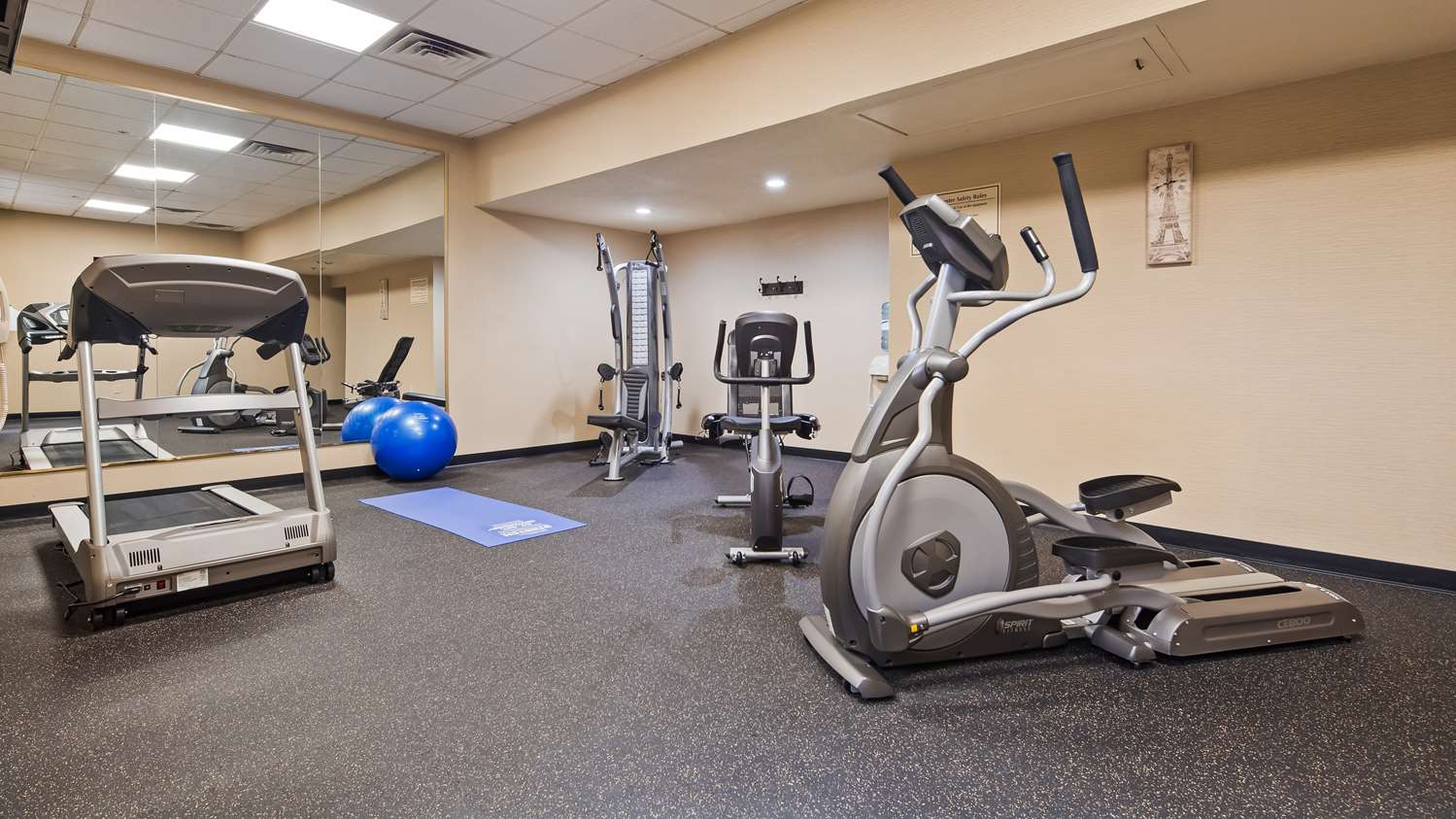 Fitness/ Exercise Room - Best Western Park Inn Warren