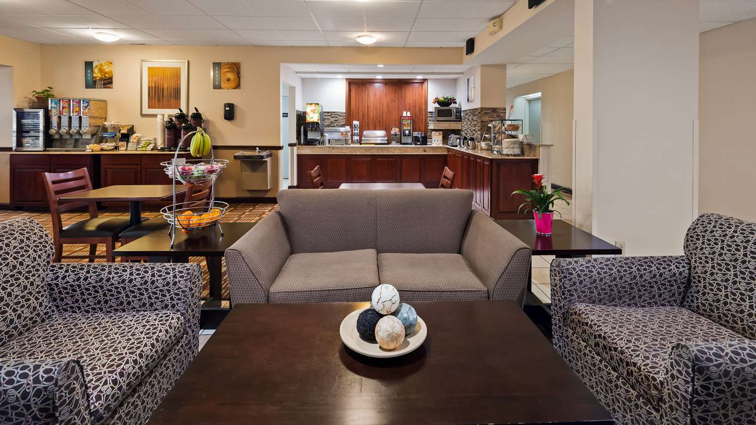 Lobby - Best Western Monroe Inn