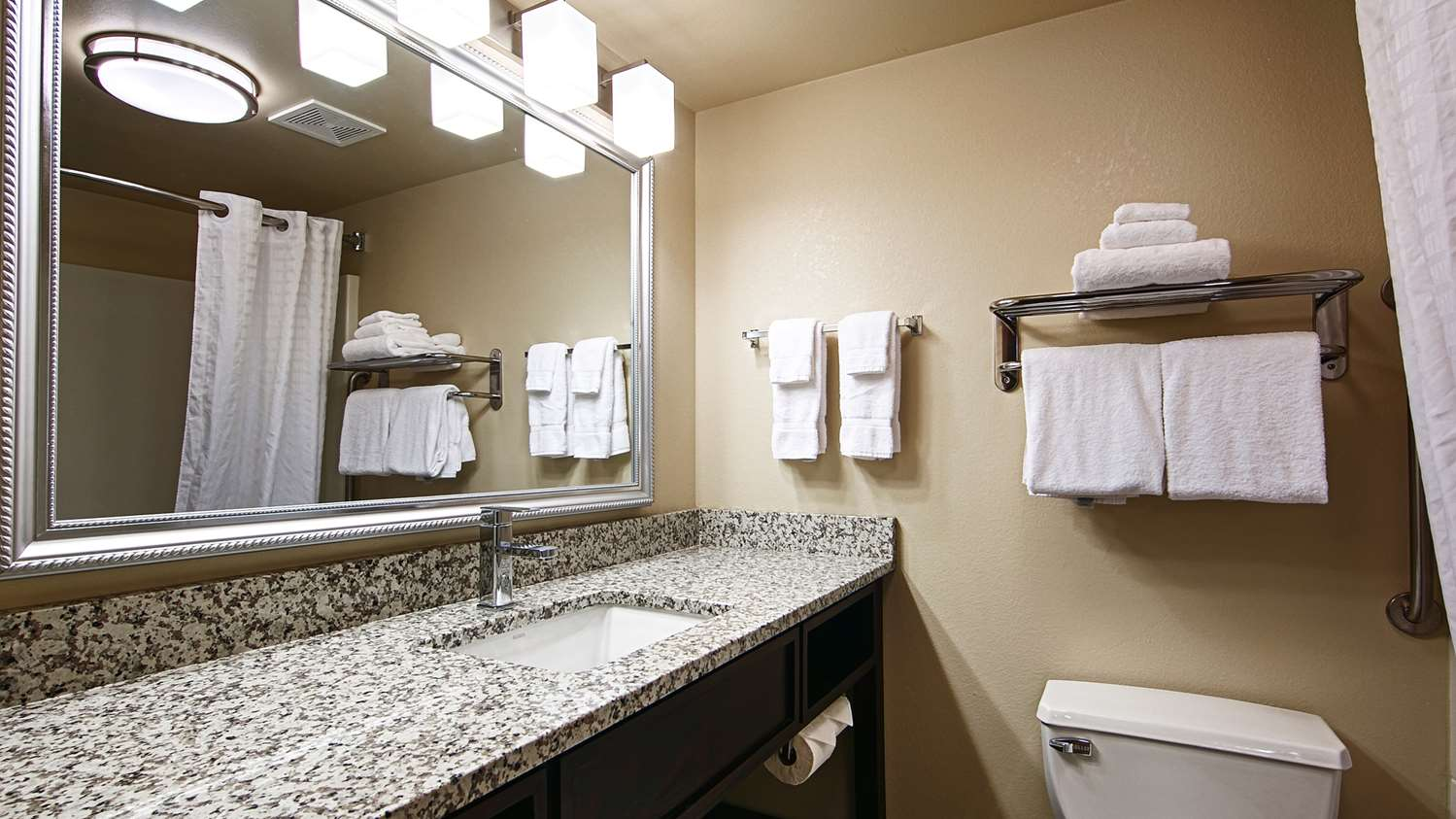 Room - Best Western Plus West Akron Inn & Suites Copley