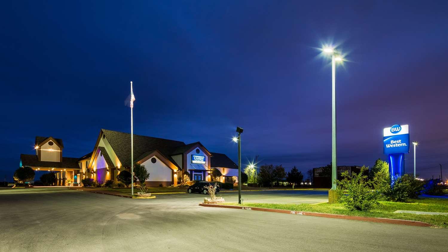Exterior view - Best Western Inn Okmulgee