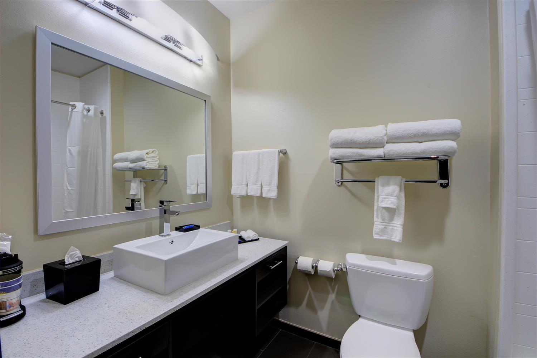 Room - Best Western Plus The Inn & Suites at Muskogee