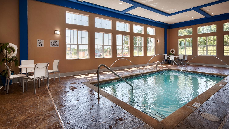 Pool - Best Western Plus The Inn & Suites at Muskogee