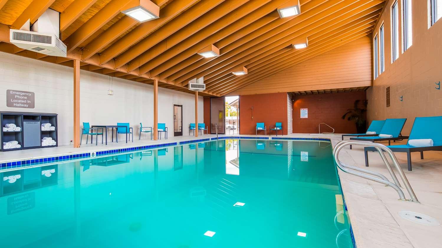 Best Hotels Near University Of Oregon