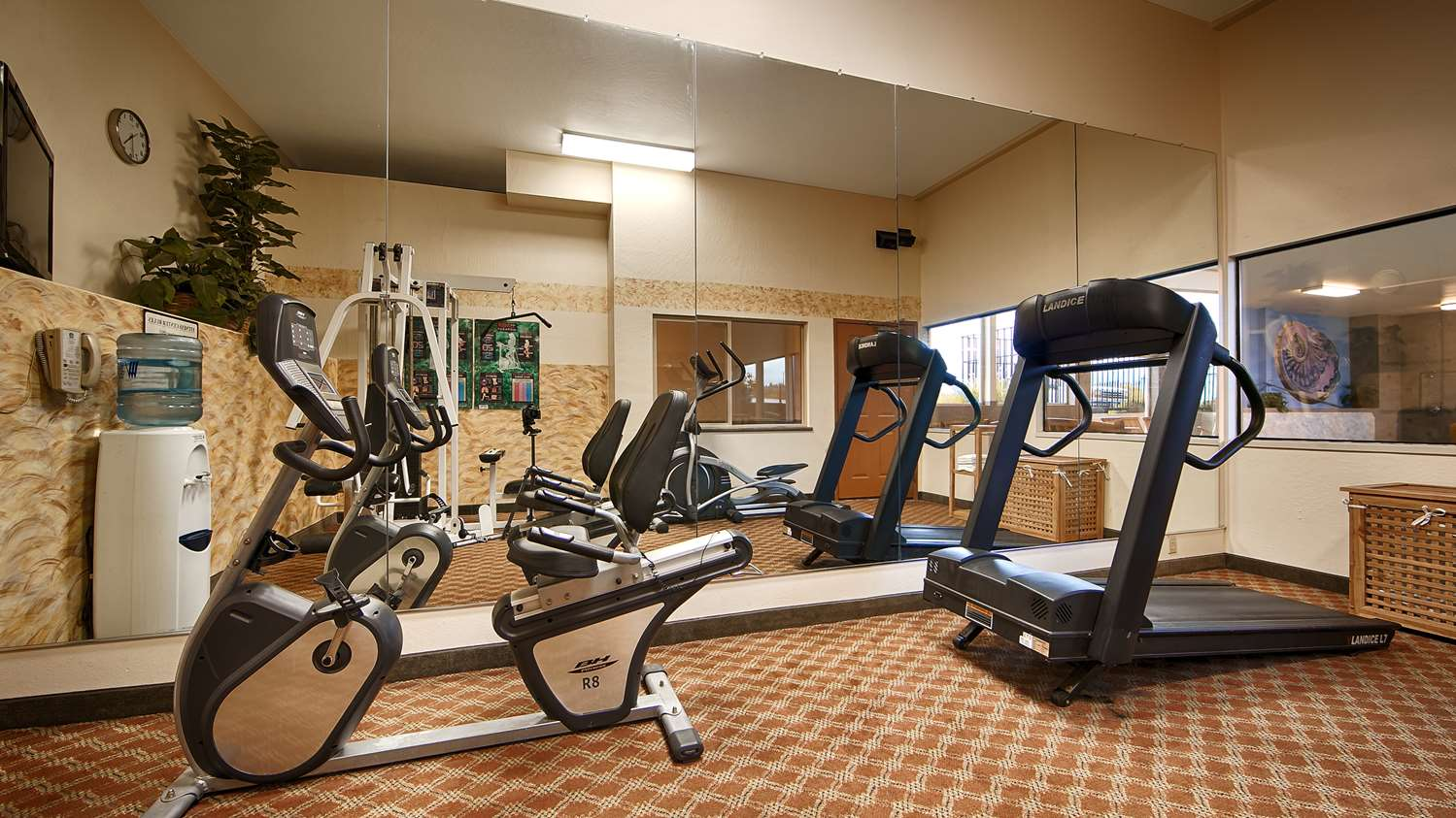 Fitness/ Exercise Room - Best Western Holiday Hotel Coos Bay