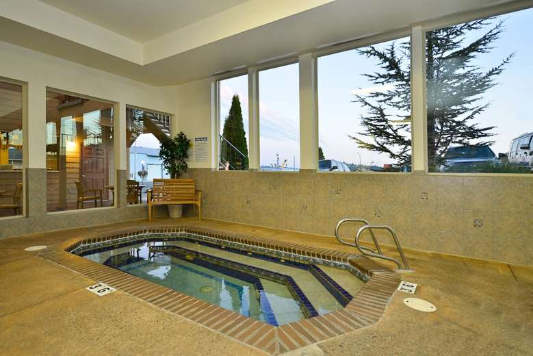 Pool - Best Western Holiday Hotel Coos Bay