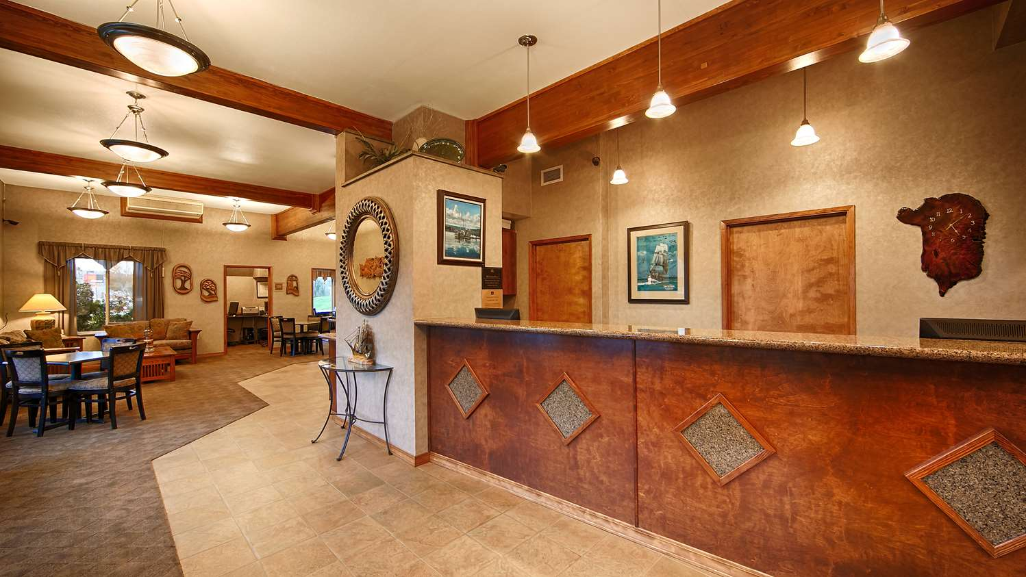 Lobby - Best Western Holiday Hotel Coos Bay