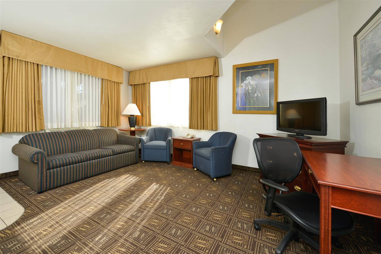 Suite - Best Western Greentree Inn Eugene