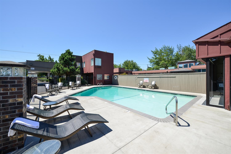 Pool - Best Western Greentree Inn Eugene