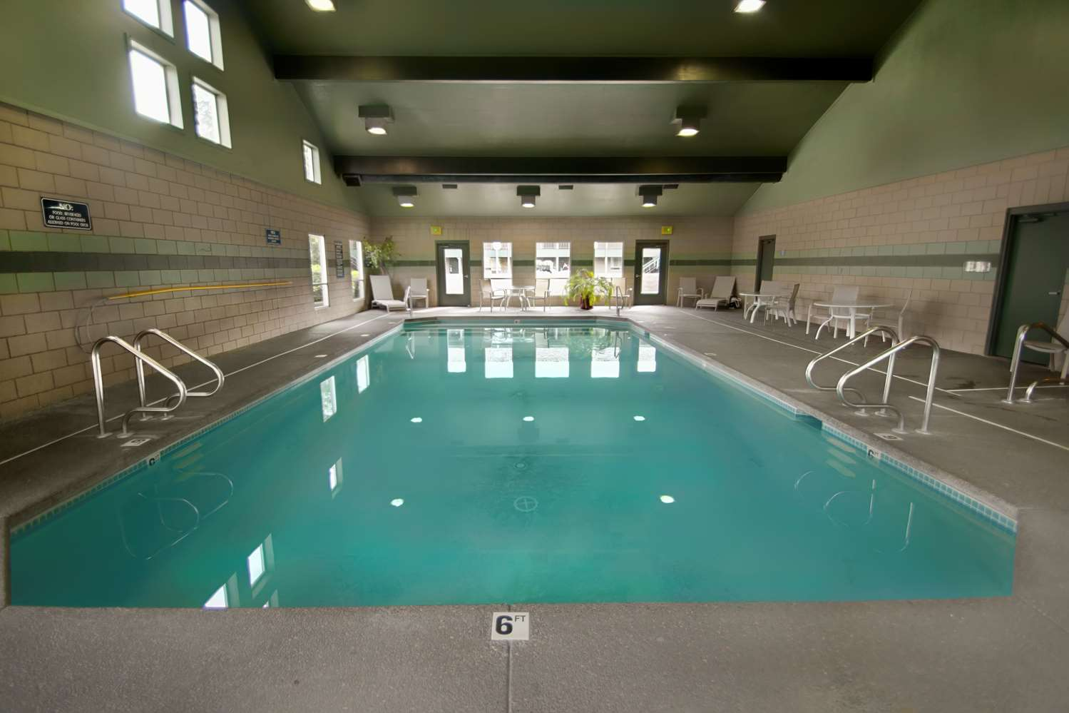 Pool - Best Western Pacific Highway Inn Salem