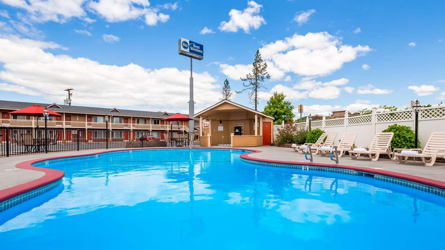 Pool - Best Western Garden Villa Inn Roseburg