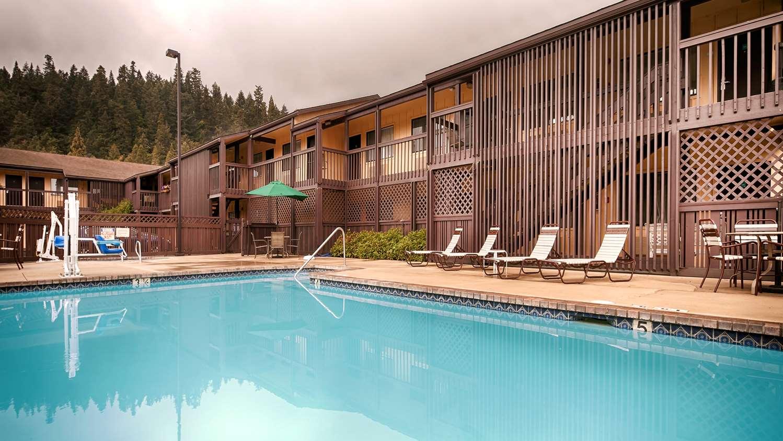 Pool - Best Western Oakridge Inn