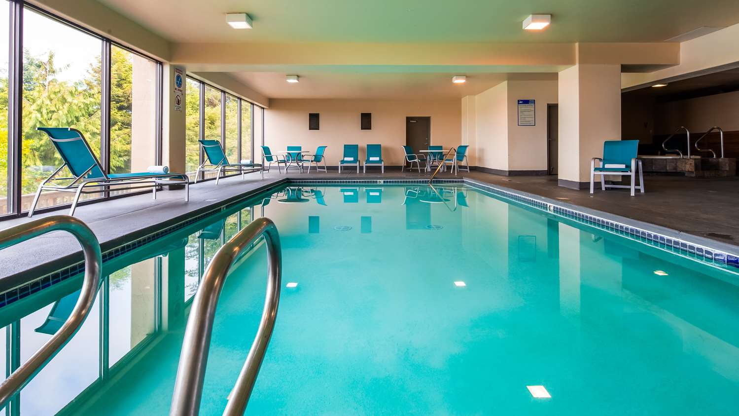 Pool - Best Western Pier Point Inn Florence