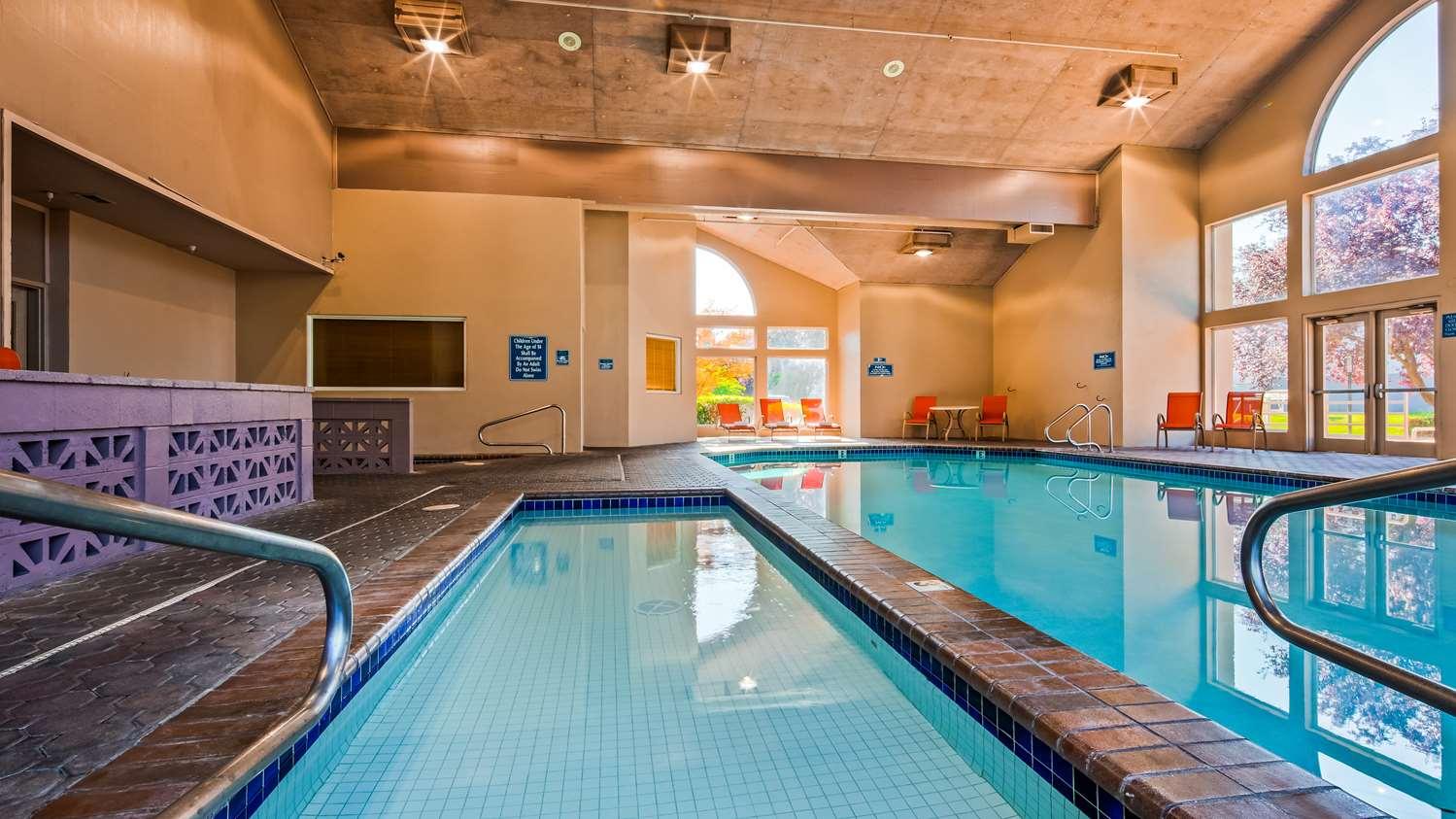 Pool - Best Western Plus Mill Creek Inn Salem