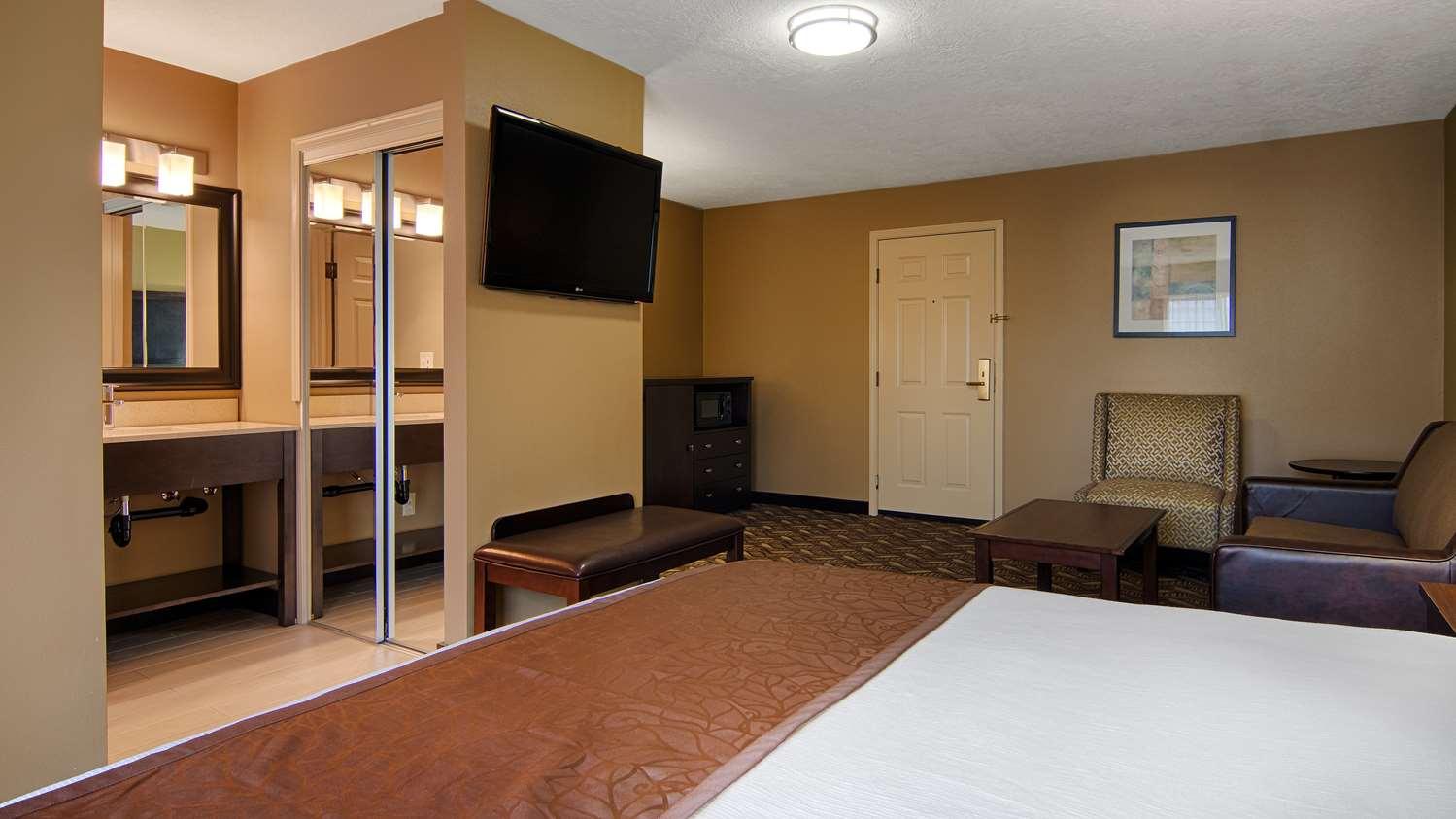 Room - Best Western Grand Manor Inn Springfield