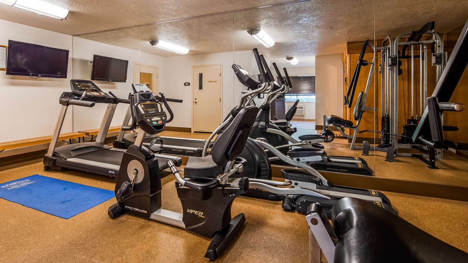 Fitness/ Exercise Room - Best Western Grand Manor Inn Springfield