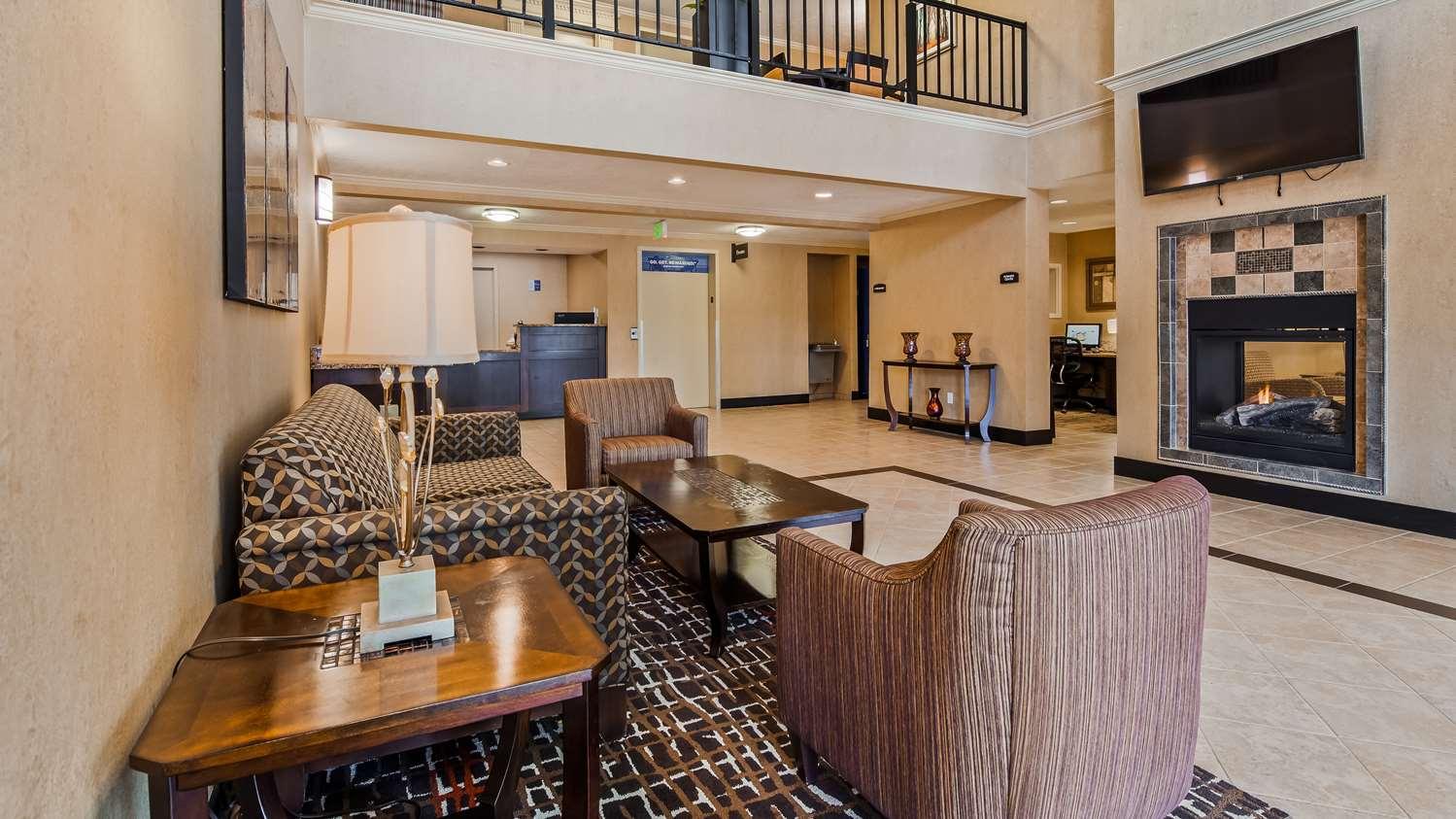 Lobby - Best Western Grand Manor Inn Springfield