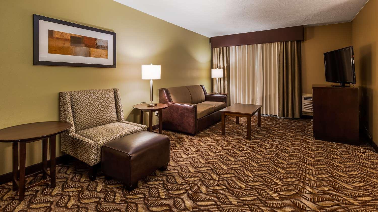 Suite - Best Western Grand Manor Inn Springfield
