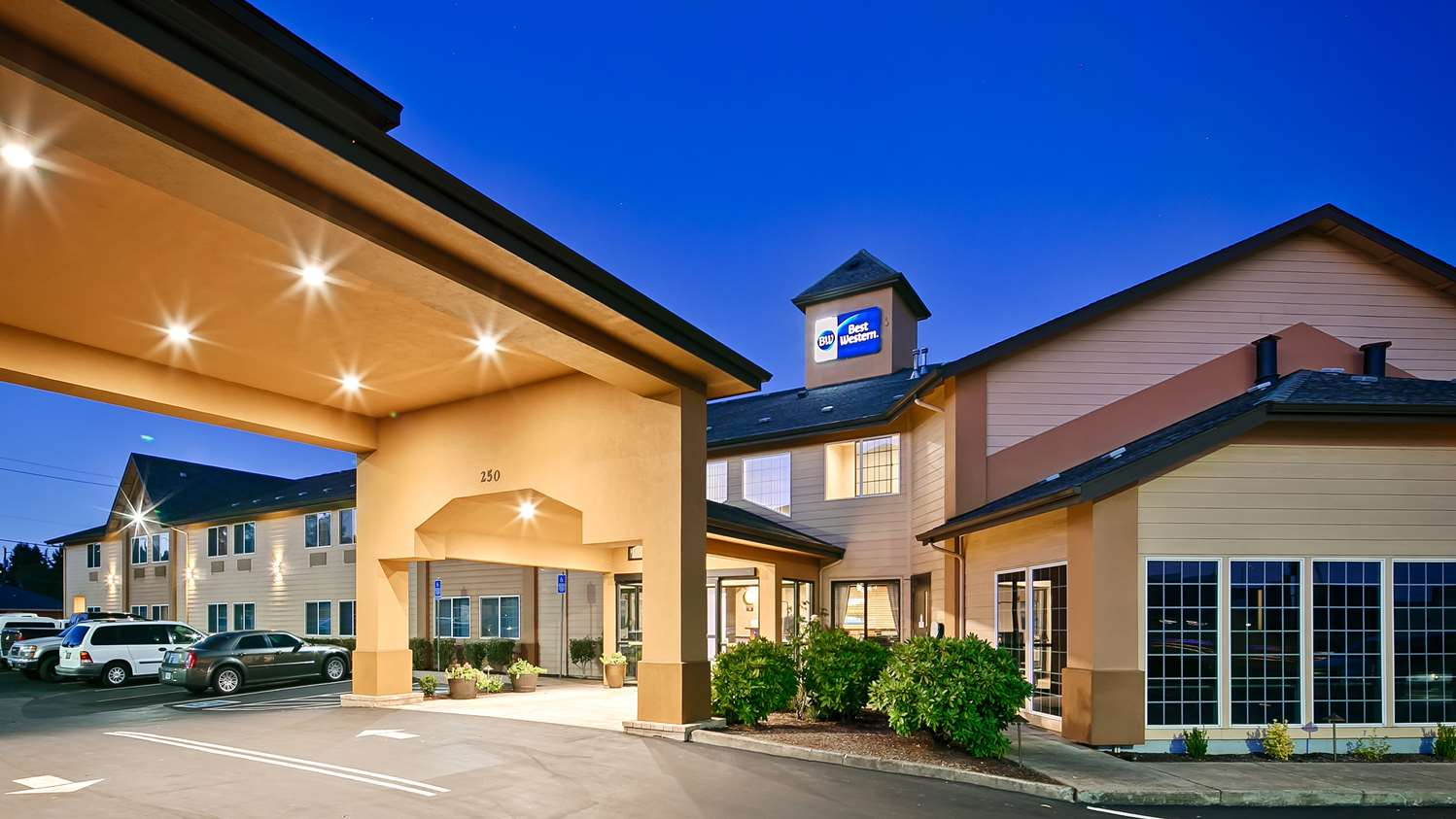 Exterior view - Best Western Dallas Inn & Suites