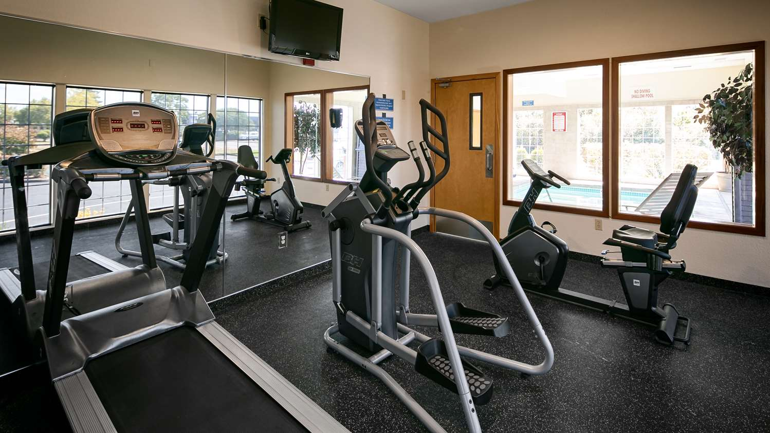 Fitness/ Exercise Room - Best Western Dallas Inn & Suites