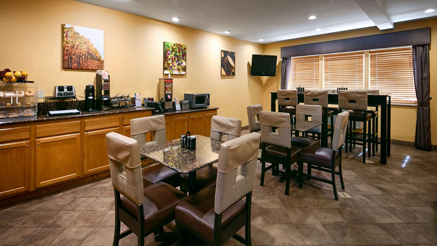 Restaurant - Best Western Dallas Inn & Suites
