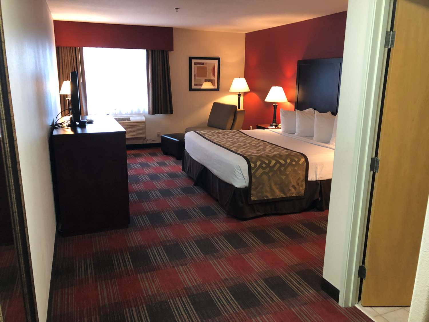 Room - Best Western Dallas Inn & Suites
