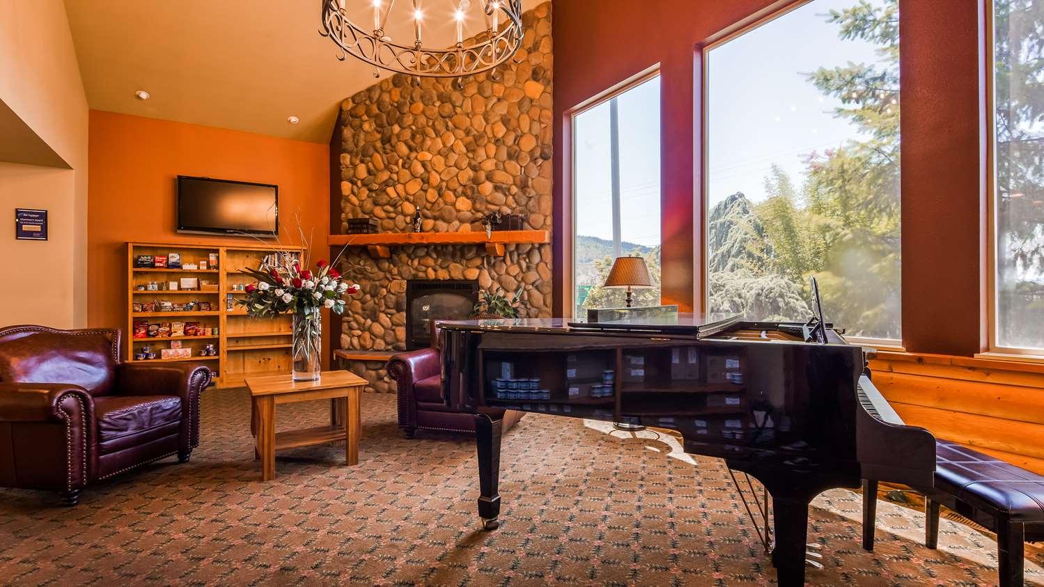 Lobby - Best Western Plus Hartford Lodge Sutherlin