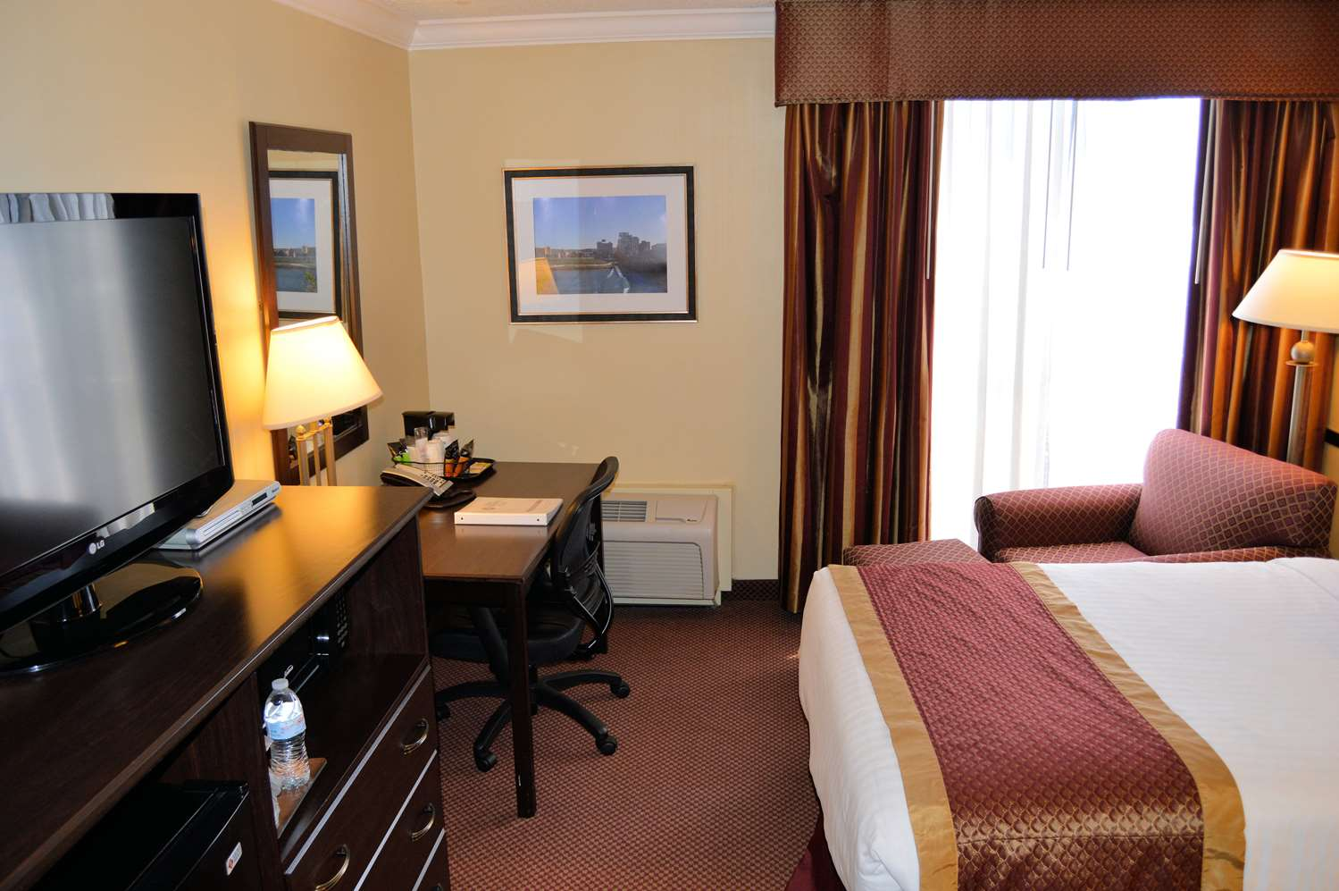 Room - Best Western Plus Genetti Hotel & Conference Center Wilkes-Barre